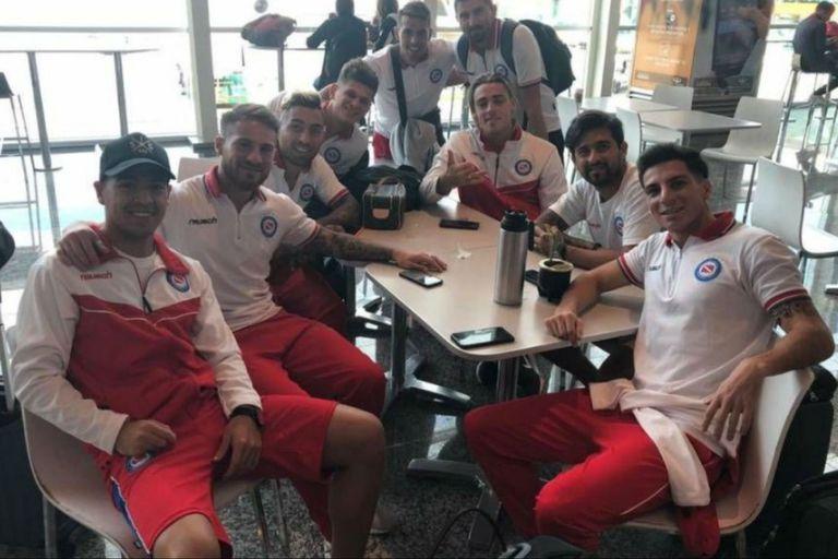 El plantel de Argentinos, antes del regreso a la Argentina, vía Manaos