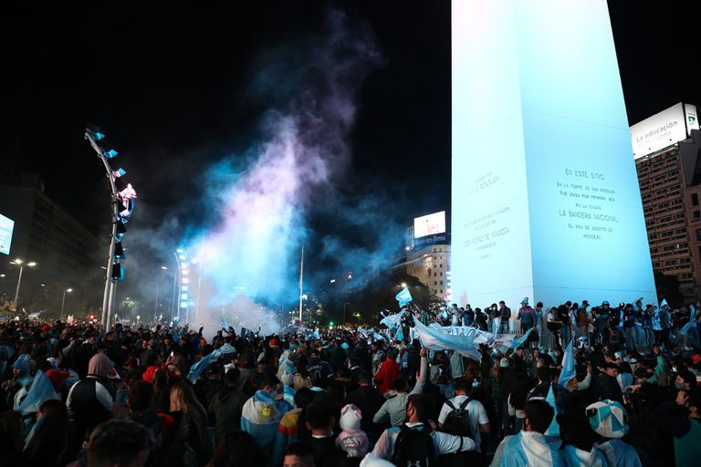 Festejos en el Obelisco por el triunfo de la Selección Argentina en la Copa América