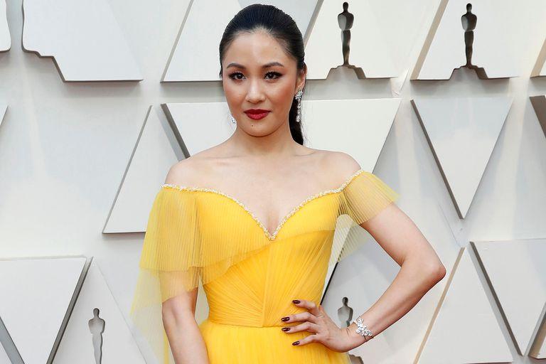 Una de las primeras en llegar, la actriz Constance Wu, a quien este año vimos en Locamente millonarios