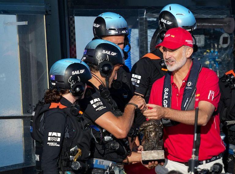 08-10-2021 El Rey Felipe VI en la Spain Sail Grand Prix en Cádiz POLITICA ESPAÑA EUROPA ANDALUCÍA BOB MARTIN FOR SAILGP
