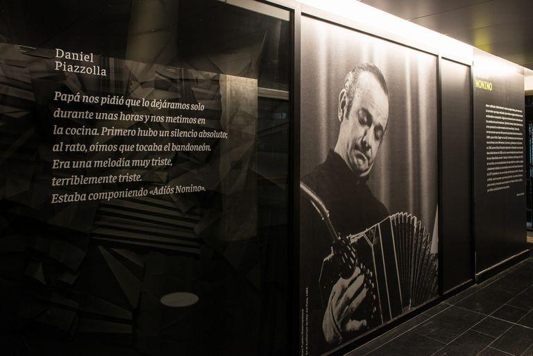 Muestra por los 100 años de Astor Piazzolla en el Centro Cultural Kirchner