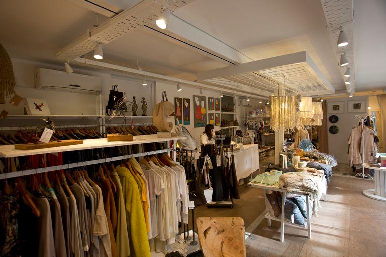 Los locales para venta de ropa también se sumas a la iniciativa