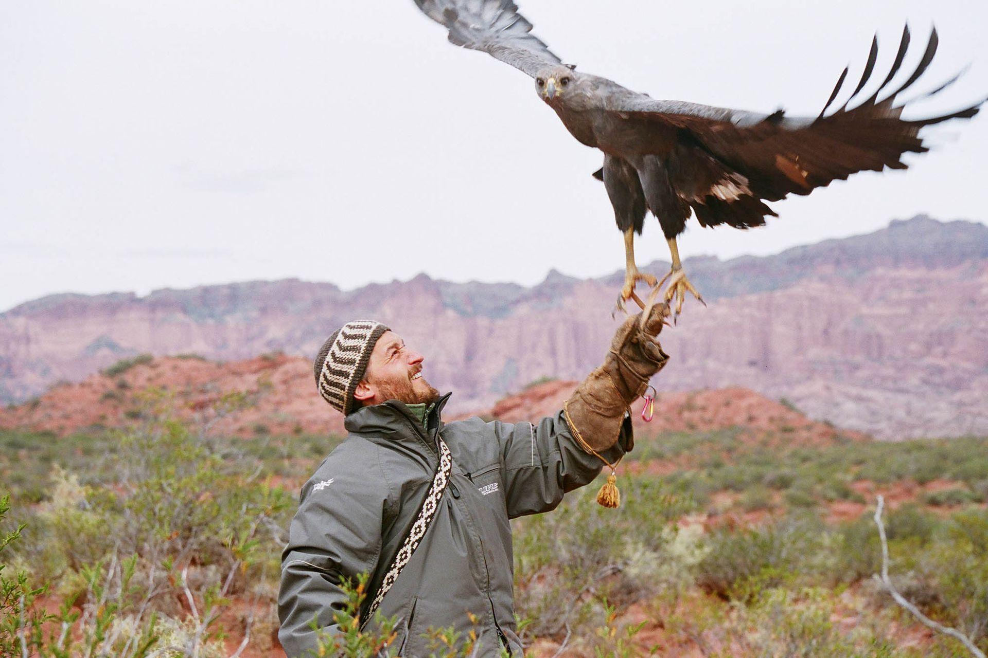 Andrés Capdevielle con una Águila Coronada