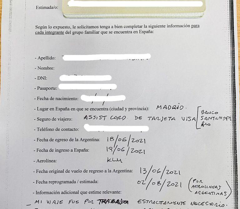 Formulario que entrega el consulado argentino en Madrid a los varados que van a reclamar por la vuelta al país.