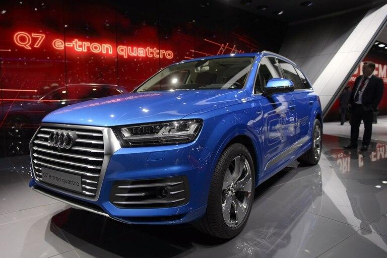 Audi mostró su nueva línea de autos deportivos en el Salón del Automóvil de Ginebra, con la mira puesta en los avances de las compañías tecnológicas como Google y Apple
