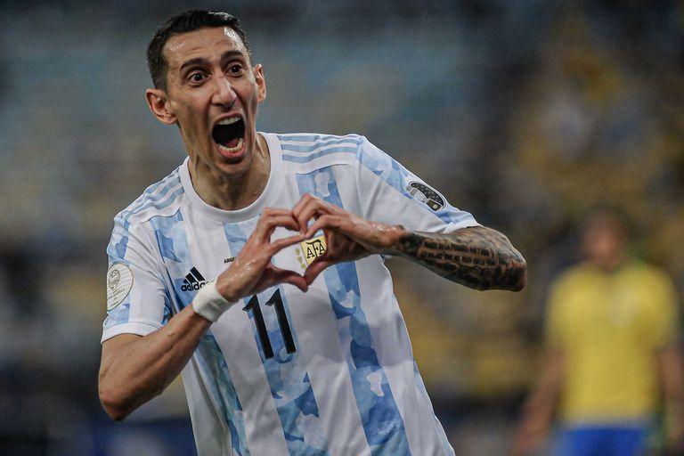 Di María sorprendió con un exorbitante tatuaje de la Copa América en su pierna izquierda