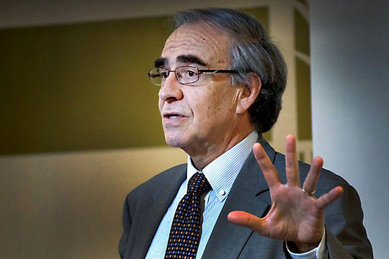 """Eugenio Díaz Bonilla: """"El desarrollo económico y social con democracia es la única salida"""""""