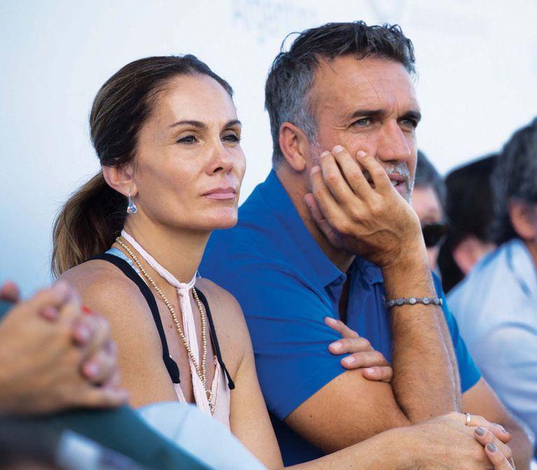 Gabriel Batistuta y su mujer, Irina, también dijeron presente. Gran amigo de Cambiaso y polista aficionado, el ex jugador de fútbol compartió más de una tarde de polo con número uno del mundo en Cañuelas.