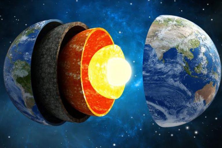 El núcleo de la Tierra se está desequilibrando y los científicos no entienden por qué