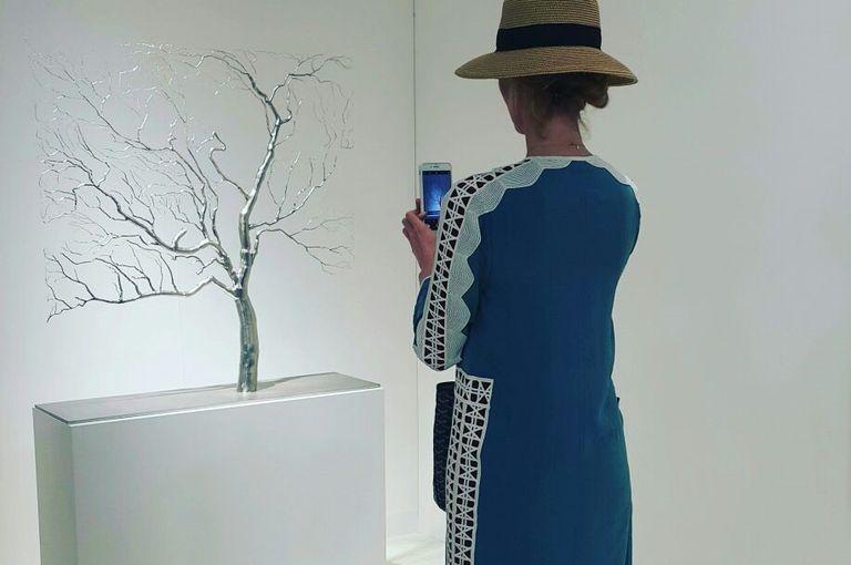 Mirar el arte a través del celular. ¿Qué diría John Berger?