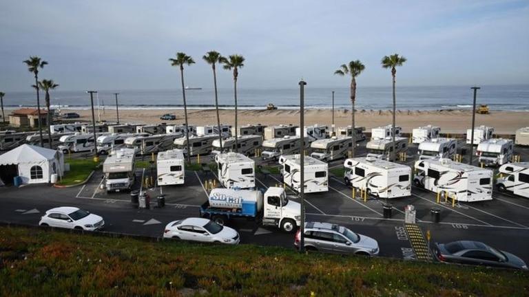 Los vehículos recreativos se usan para viajar de vacaciones, pero también pueden ser casas permanentes