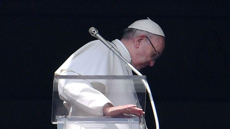 """El papa Francisco: """"Enemigos son los que hablan mal de nosotros"""""""