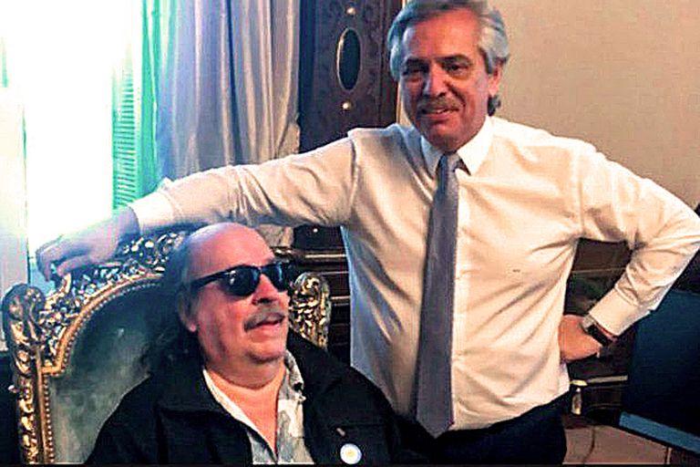 Alberto Fernández junto a Litto Nebbia