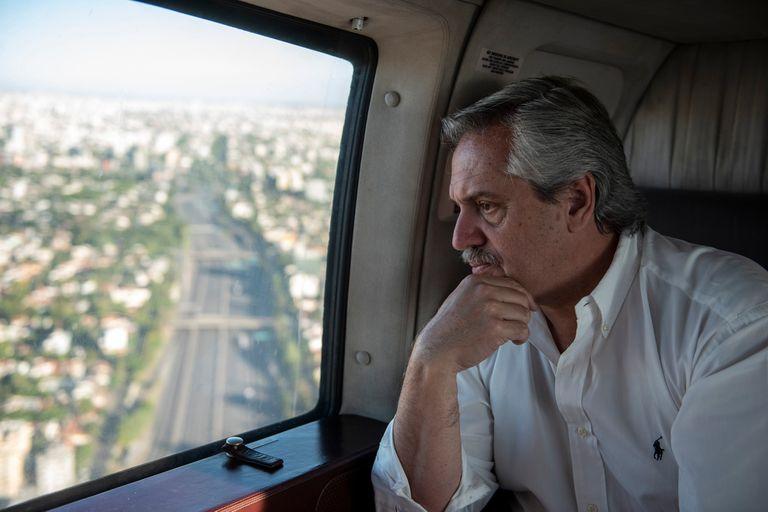 """Coronavirus. """"Lo que no entra con la razón, va a entrar con la fuerza"""", adivirtió Alberto Fernández tras el caos de tránsito"""
