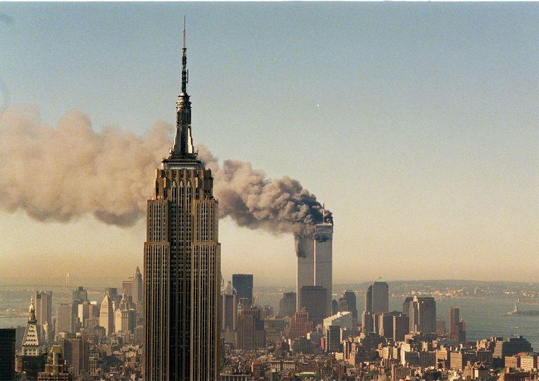 Los aviones ya se estrellaron contra las Torres Gemelas, que luego colapsarían