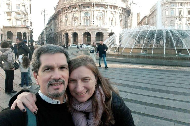 Tiempos felices: Nelson junta a su pareja, Claudia, en Génova. Luego vendría la internación por la infección de coronavirus