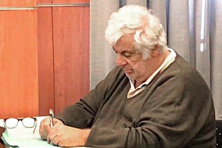 Samid toma nota, ayer, antes de escuchar su condena a prisión