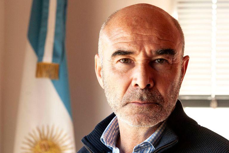 """Gómez Centurión busca ampliar el discurso """"celeste"""" a la crisis"""