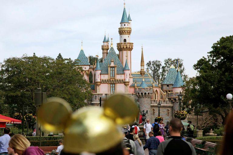 Mientras los parques siguen cerrados, Disney hace sus desfiles online