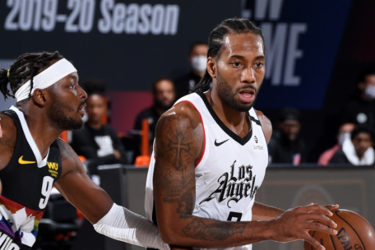"""NBA. Kawhi Leonard, figura y el """"casi triple-doble"""": los Clippers sacan ventaja"""