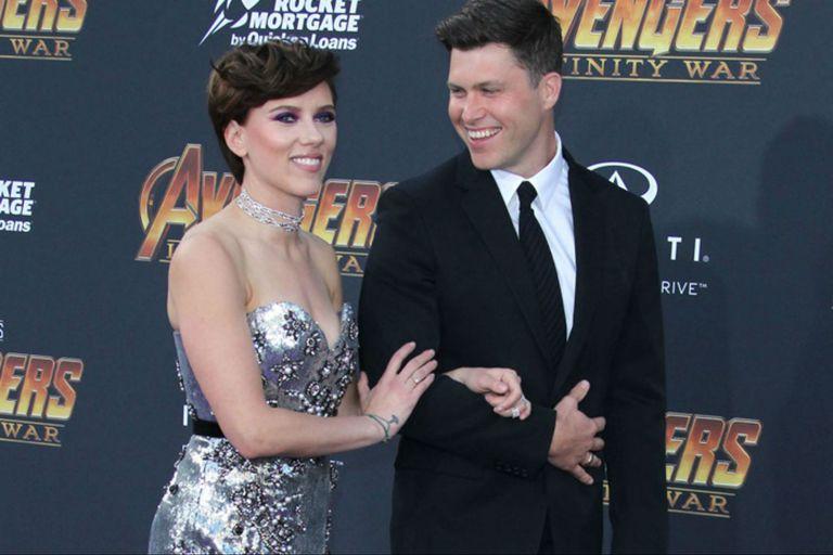Colin Jost, el novio de Scarlett Johansson, conducirá la ceremonia