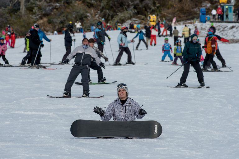 Desde ayer, empezaron a llegar los turistas porteños y bonaerenses a Bariloche