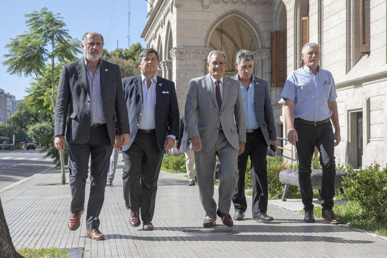 Los dirigentes de la Mesa de Enlace volverán a ver a Basterra; rechazarán la suba de las retenciones a la soja