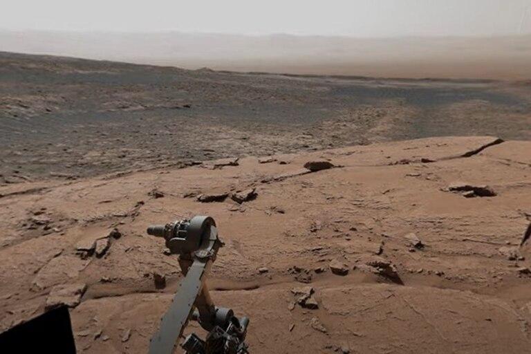 Panorámica del cráter Gale de Marte tomada por el rover Curiosity desde el Monte Sharp