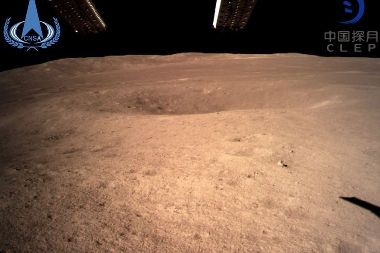 La sonda Change-4 de China aterrizó este 3 de enero en la cara oculta de la Luna, convirtiéndose en la primera nave en conseguir posarse en un terreno inexplorado, nunca visible desde la Tierra