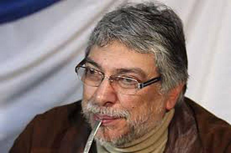 """Fernando Lugo fue destituido por juicio político, pero organizó un gobierno paralelo para """"controlar al poder hasta volver al poder"""""""