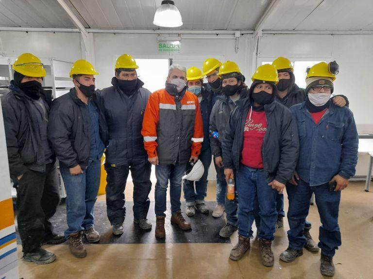 Aníbal Fernández en su visita a la usina de YCRT en mayo.
