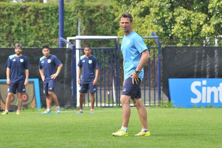 Diego Cocca pretende volver al triunfo de local ante Vélez