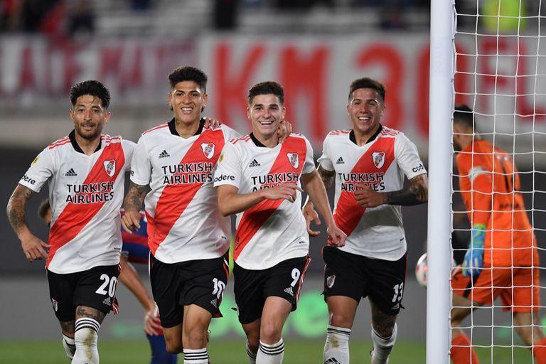 River, el que más chances crea en un fútbol argentino de alta intensidad