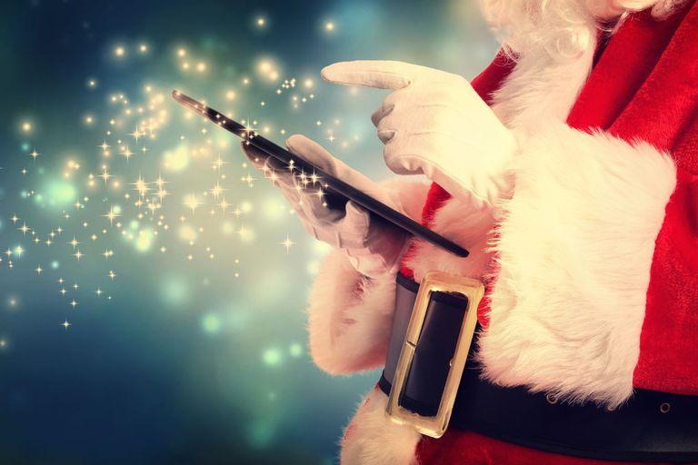 Navidad.  Un Papá Noel cargado  de tecnología