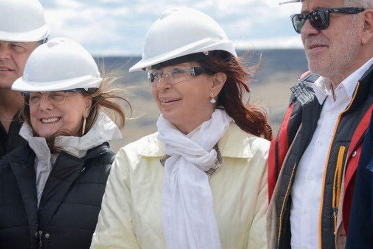 Alicia y Cristina Kirchner, junto a Gerardo Ferreyra