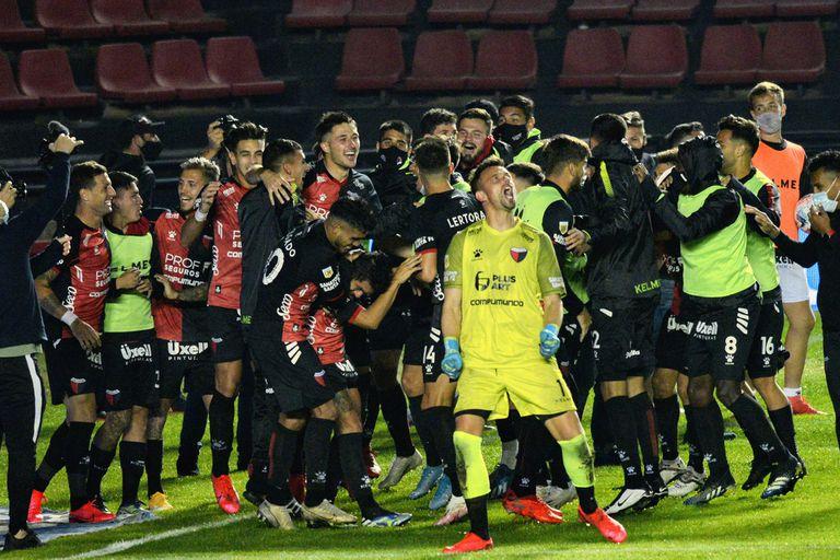A semifinales. Colón eliminó a Talleres 5-3 por penales y va por Independiente