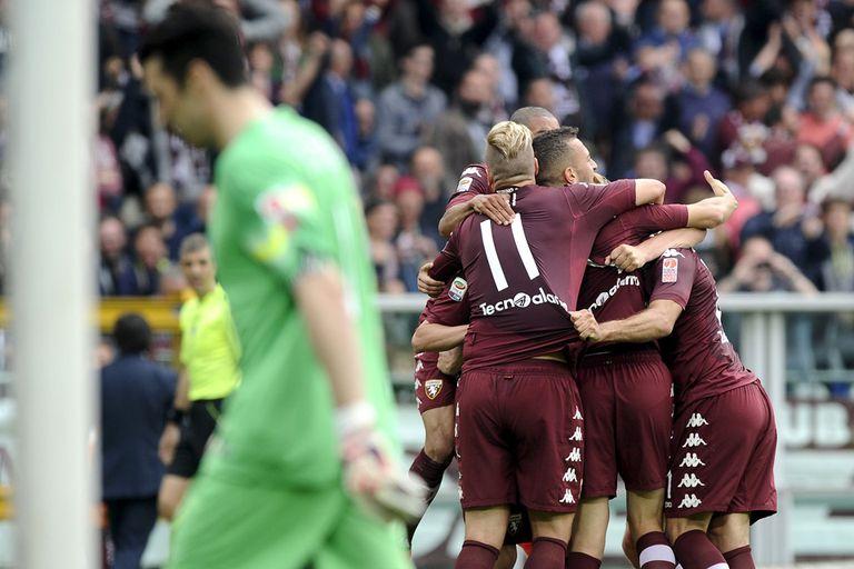 Torino festeja y Buffon sufre
