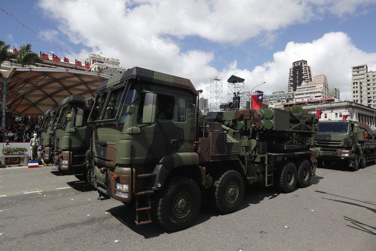 El desfile militar se realizó frente al palacio presidencial de Taiwán