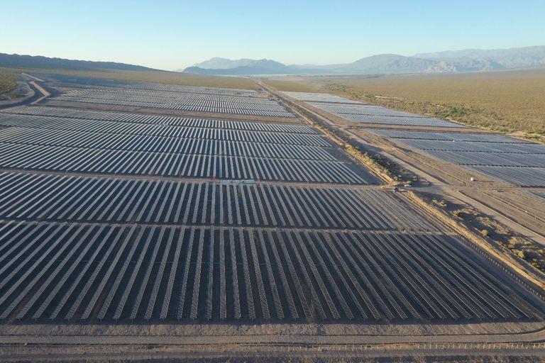 El parque solar Ullum está situado en San Juan y genera energía para abastecer a 48.000 hogares