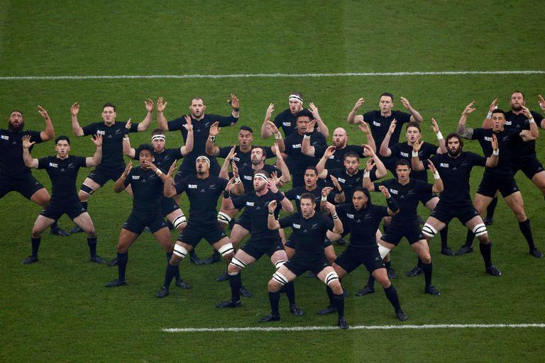 El Haka de los All Blacks con sonido de ambiente en Twickenham, un espectáculo ú