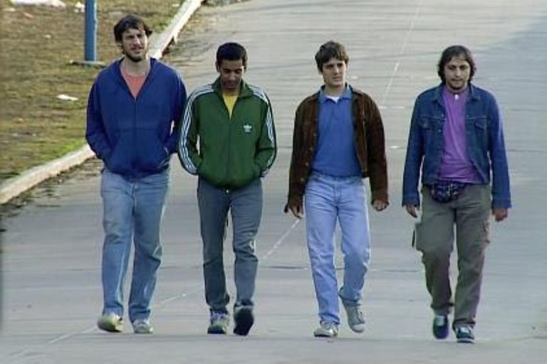 Okupas, la miniserie argentin estrenada en octubre de 2000 se consolidó como obra de culto y llega a Netflix