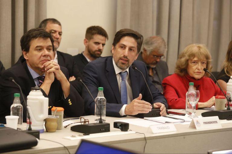 El ministro Trotta celebró la instancia de diálogo con los gremios docentes