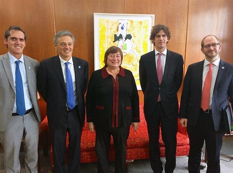 La funcionaria estadounidense Catherine Novelli con Cabrera, Braun y Lousteau