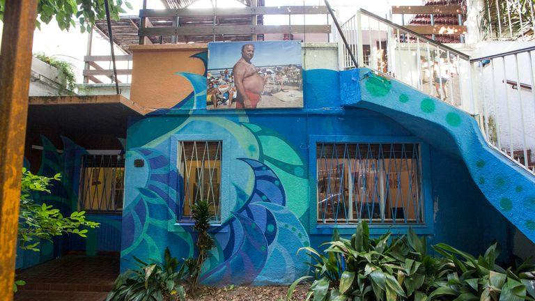 Casa 7, las dos casas en camino de demolición que el colectivo Pyxz transformó en un centro cultural temporal