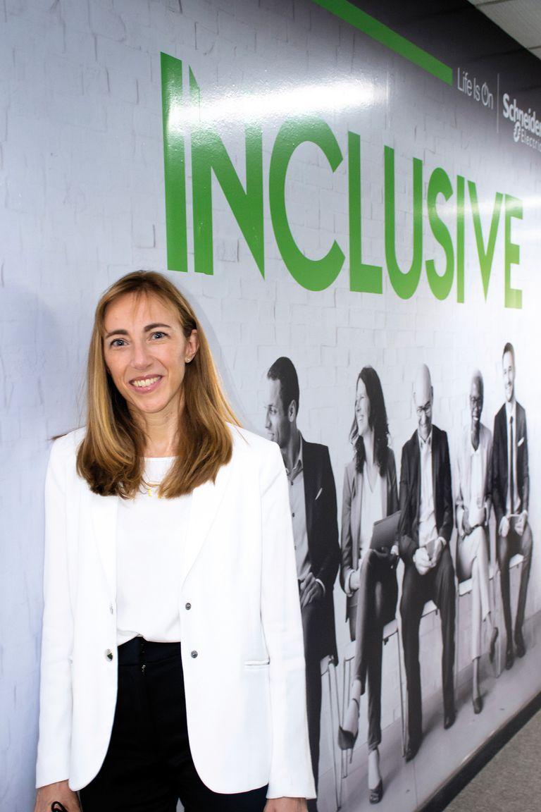 """Paula Altavilla (Schneider Electric) """"El liderazgo femenino tiene que ser visto como más cercano y empático"""""""