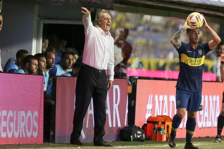 Gustavo Alfaro todavía no es el DT que fue a buscar Burdisso para Boca