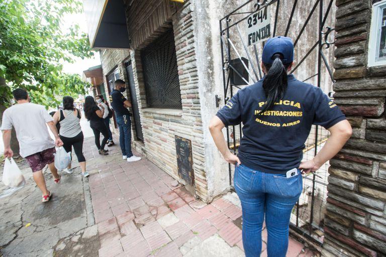 """Búsqueda de testigos """"puerta a puerta"""" por la desaparición de Valeria López, vista por última vez el 26 de enero del año pasado en Virreyes"""