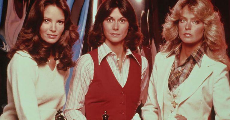 Jaclyn Smith,  Kate Jackson  y Farah Fawcett en ese serie emblema de los 70