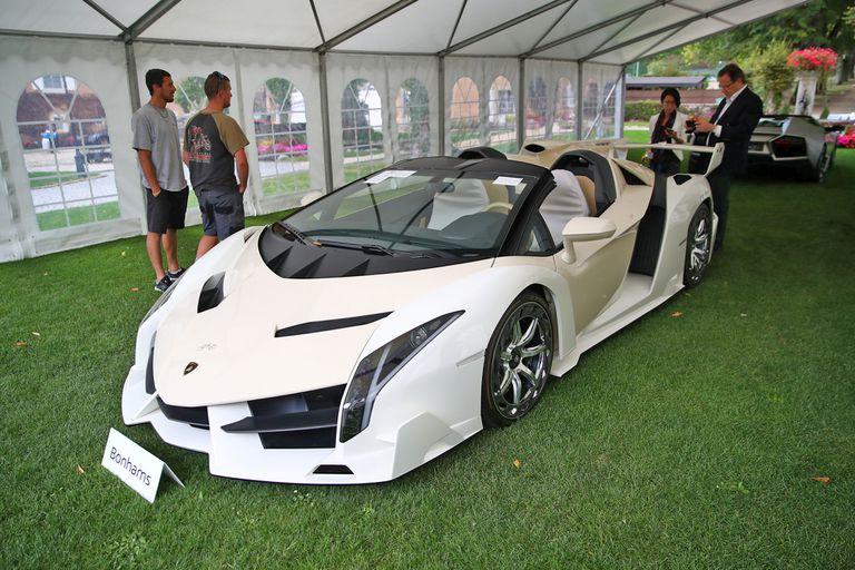 Entre su colección de autos lujosos, Teodorin Nguema Obiang, tenía un Lamborghini Veneno Roadster