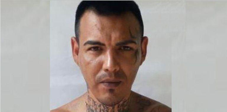 """Ofrecen un millón de pesos por información sobre el paradero de """"Morocho"""" Mansilla, fugado de una cárcel de Santa Fe"""